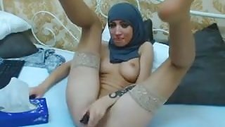 Hijabi girl masturbating on cam