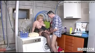 Older woman and master! Great scam and swallowing!